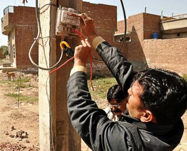 Delhi DISCOMs Find New Ways to Combat Power Theft Cases, Recover Outstanding Bills